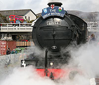 Steam Train in Kyle of Lochalsh Station - click for pictures
